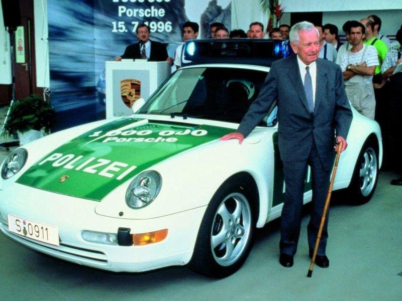 2009---Ferry-pedv-policejn-Porsche-993